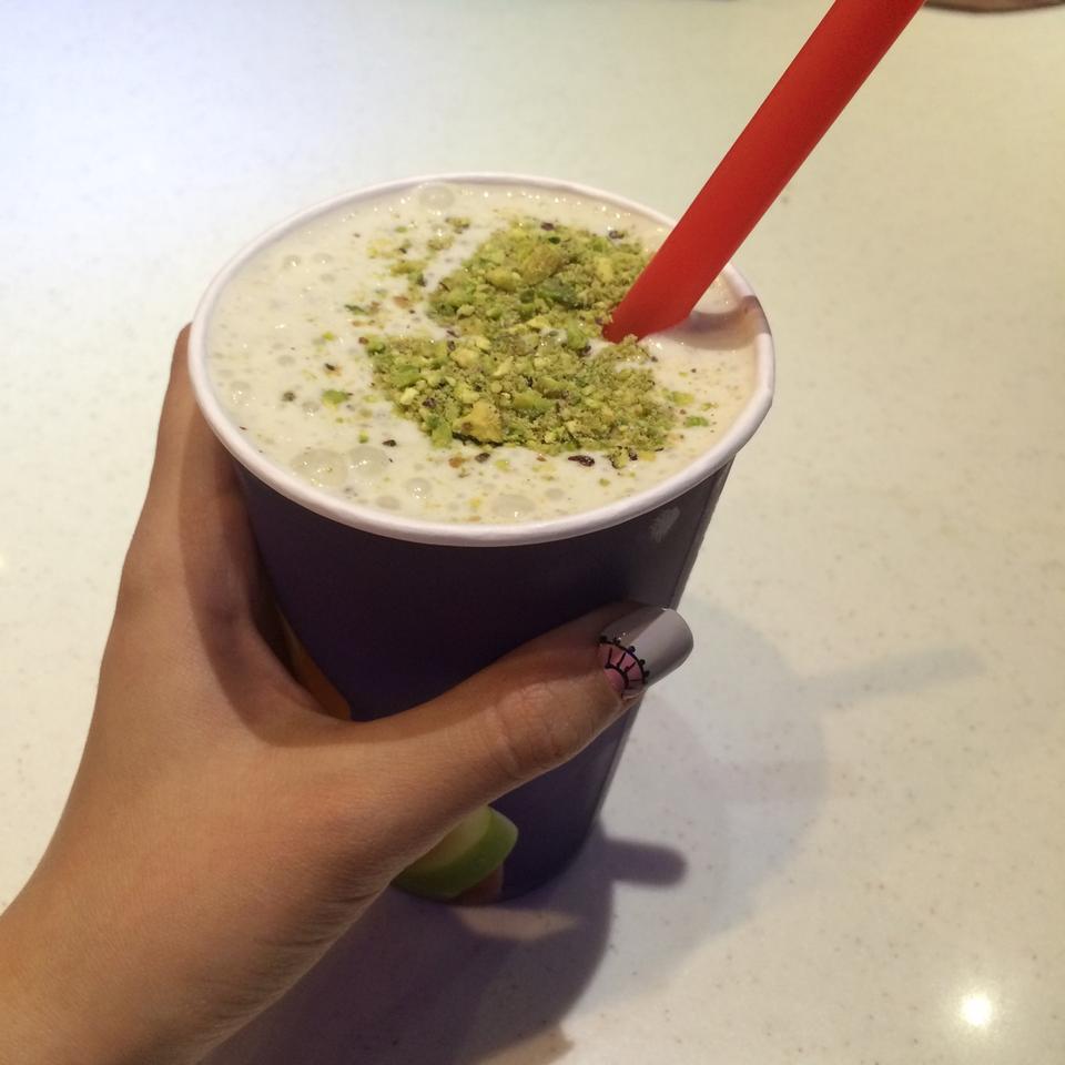 عکس پروفایل آبمیوه و بستنی بستنی شاد