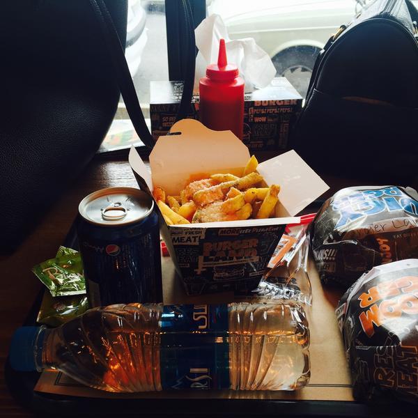 عکس پروفایل پیتزا و همبرگر  برگرلند پاسداران