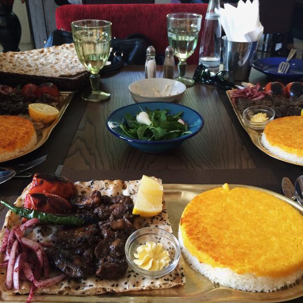 عکس پروفایل رستوران ایرانی رستوران ایرانی بی سان