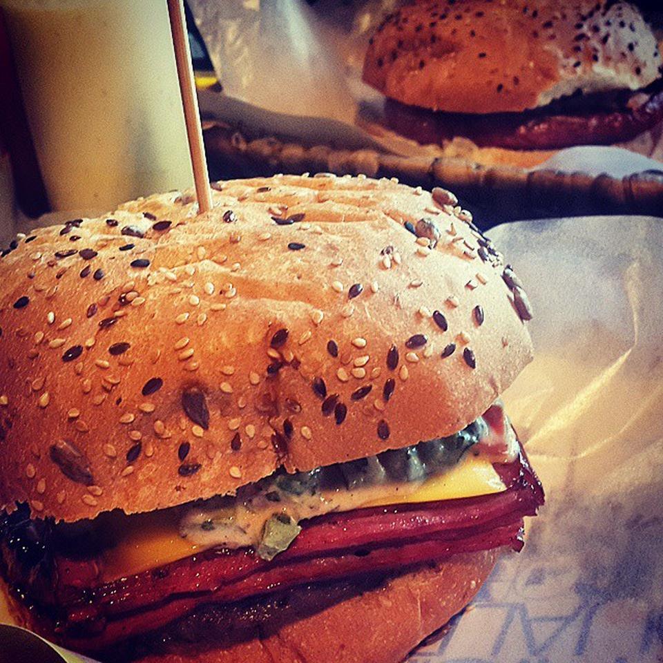 عکس پروفایل فست فود ها تاکسی ساندویچ