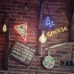 عکس پروفایل پیتزا و همبرگر پیتزا چارچیز